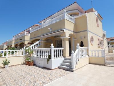 For Sale: Villa in Algorfa Beds: 3 Baths: 2 Price: 135,000€