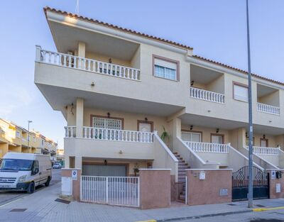 For Sale: Town House in Algorfa Beds: 3 Baths: 3 Price: 129,995€